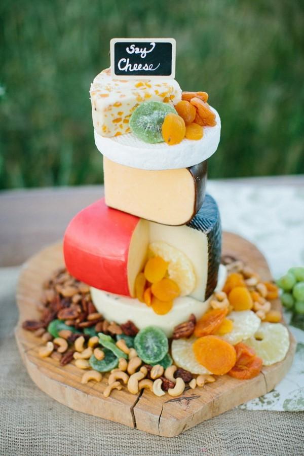 Käseplatte dekorieren – Tipps für eine perfekte Vorspeise käsetorte ideen