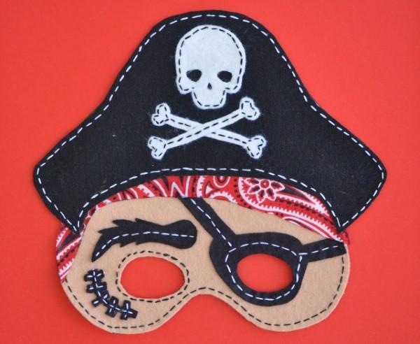 Piratenhut basteln mit Kindern – coole Ideen für Ihre nächste Kostümparty piraten maske filz diy