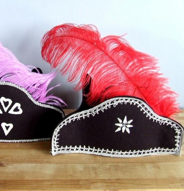 Piratenhut basteln mit Kindern – coole Ideen für Ihre nächste Kostümparty piratenhut deko ideen