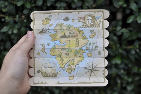 Schatzkarte basteln – kreative Ideen für Ihre nächste Piratenparty eisstiele karte diy ideen