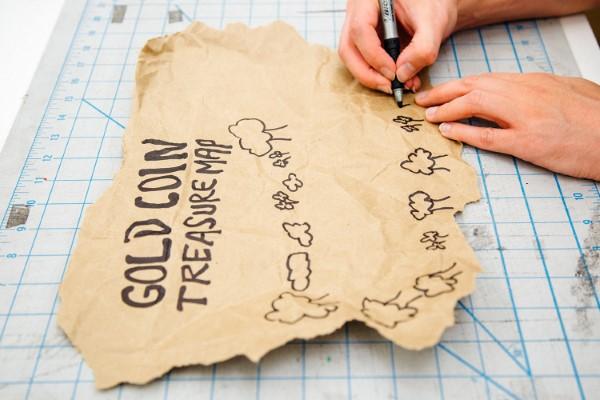 Schatzkarte basteln – kreative Ideen für Ihre nächste Piratenparty piraten karte malen diy ideen