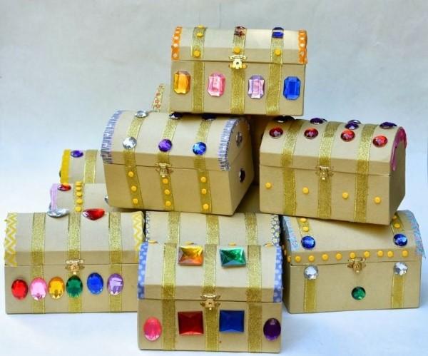 Schatzkiste basteln mit Kindern – lustige Ideen und Anleitung für Ihre Piratenparty holz schachteln truhen juwelen