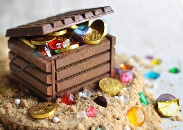 Schatzkiste basteln mit Kindern – lustige Ideen und Anleitung für Ihre Piratenparty köstliche schoko bastel ideen