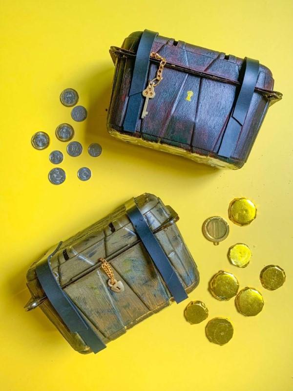 Schatzkiste basteln mit Kindern – lustige Ideen und Anleitung für Ihre Piratenparty kunststoff verpackung diy truhe