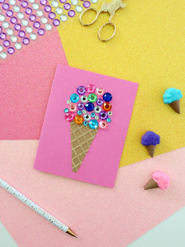 Schnelle Bastelideen für den Sommer – kinderleichte Ideen zum Inspirieren und Nachmachen gruß karte sommer eiscreme juwelen