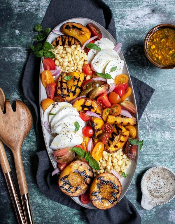 Sommerliche Salate zum Grillen und Genießen – köstliche und gesunde Rezeptideen bunter salat regenbogen