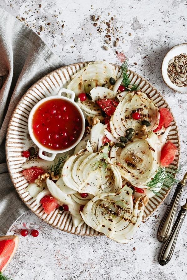 Sommerliche Salate zum Grillen und Genießen – köstliche und gesunde Rezeptideen fenchel beeren salat
