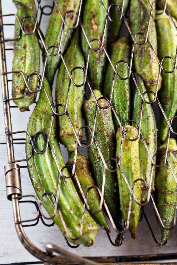 Sommerliche Salate zum Grillen und Genießen – köstliche und gesunde Rezeptideen okra grillen mit gitter