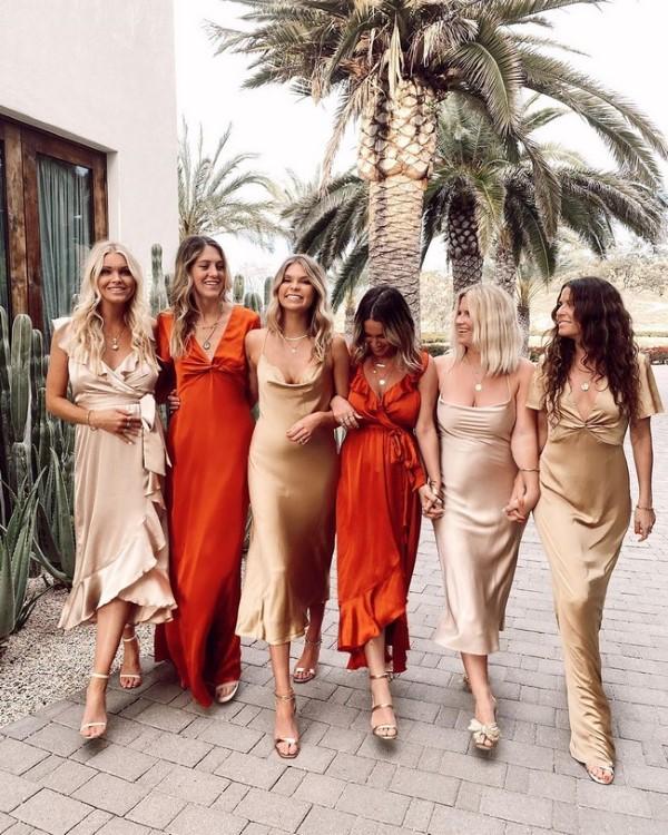 Spaghettiträger Kleid – so tragen Sie dieses trendige Sommerkleid richtig brautjungfer kleider party hochzeit