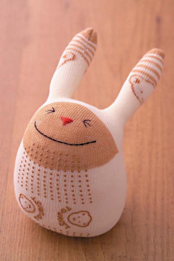 Spielzeug basteln mit Socken DIY Stofftiere