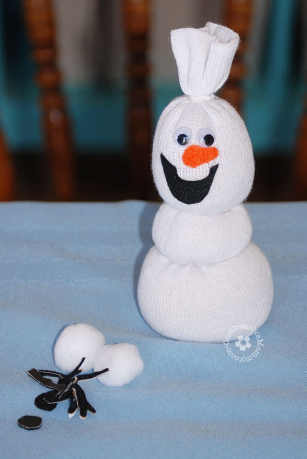 Spielzeug basteln mit Socken Olaf basteln