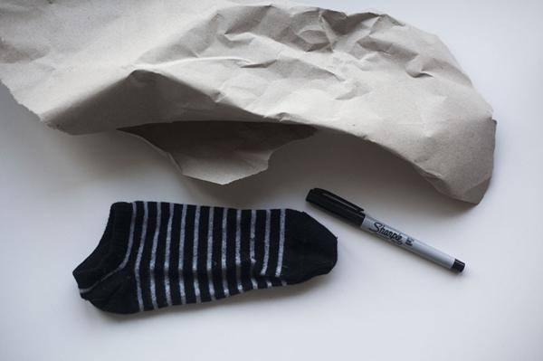 Spielzeug mit Socken basteln Katzenspielzeug Materialien
