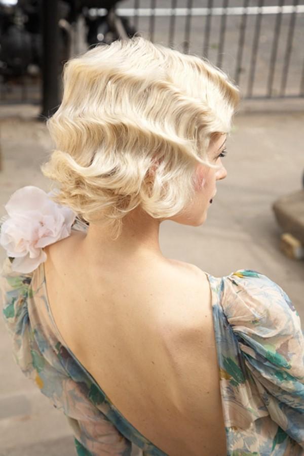 Wasserwelle Frisur – Frisurentrends aus den 20er Jahren sind immer noch aktuell blond wellig frisur