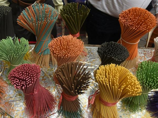 Wie schnell wächst Bambus Wissenswertes Bambus Strohhalme Räucherstäbchen