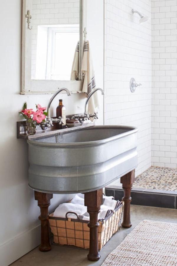 Zinkwanne dekorieren – Ideen und Tipps für eine rustikale Gartendeko badezimmer waschbecken wanne