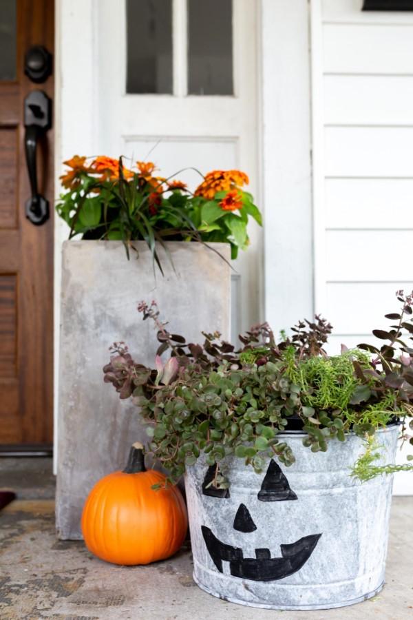 Zinkwanne dekorieren – Ideen und Tipps für eine rustikale Gartendeko halloween deko schön idee