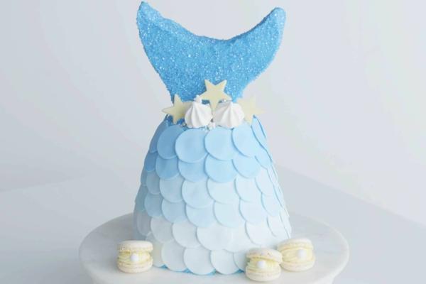 blau weisse meerjungfrau torte selber machen