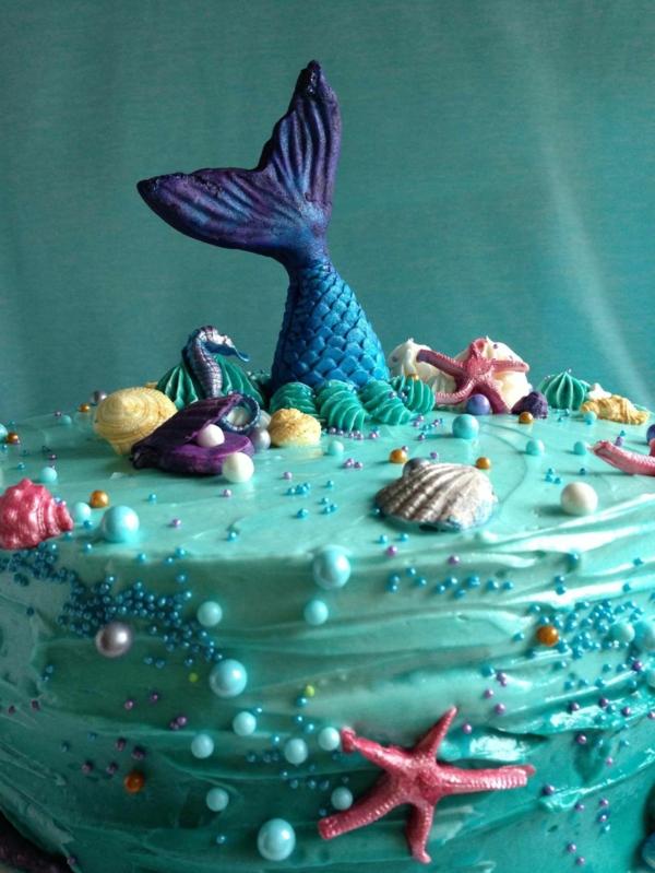 blaue meerjungfrau torte mit flosse
