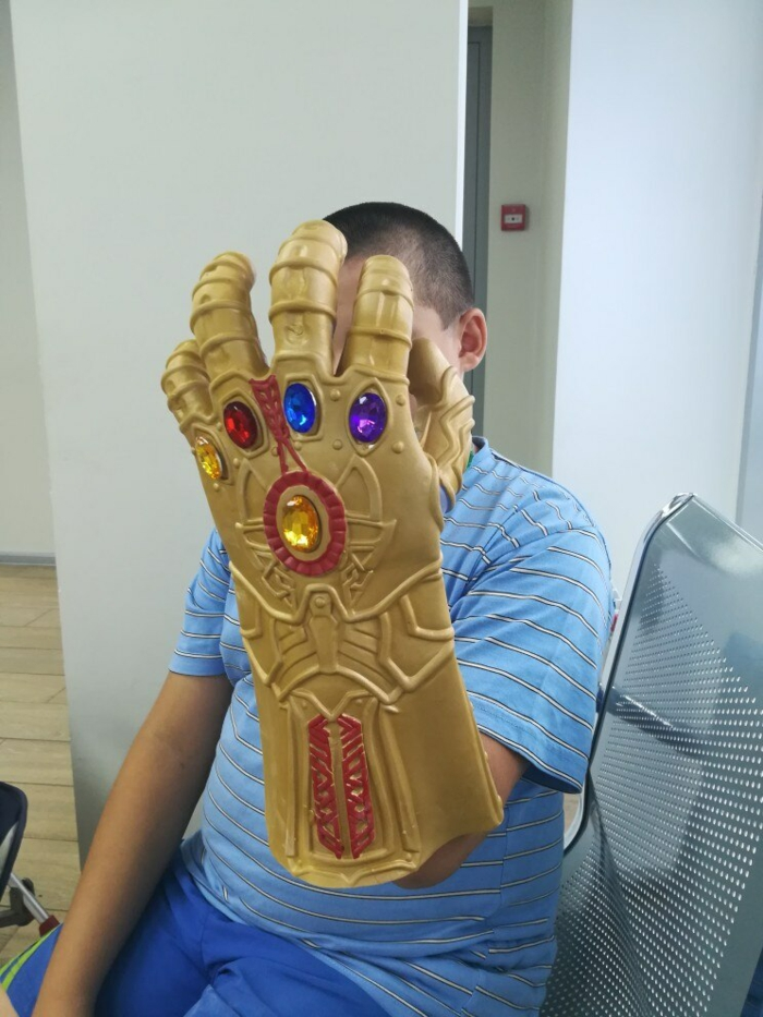 einweghandschuhe upcycling ideen riesige hand