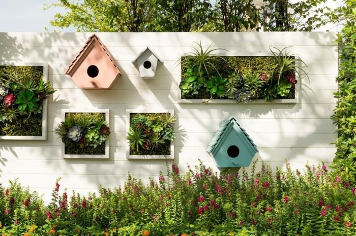 gartengestaltung modern decking gartenweg anlegen vogelfutterhaus