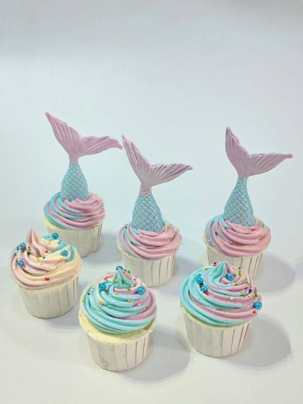 pastellfarbene meerjungfrau cupcakes dekorieren
