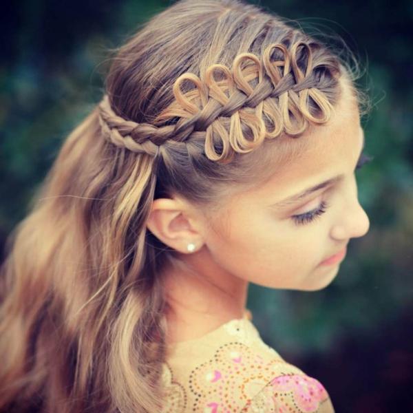 sommerliche flechtfrisuren kinder lange haare
