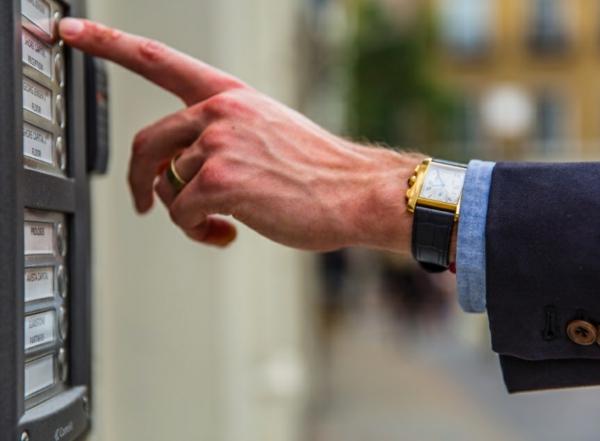 7 Vorteile, warum Sie eine Armbanduhr tragen sollten Zeitmesser