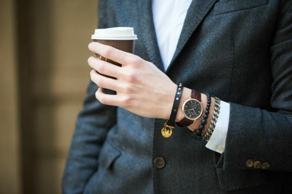 7 Vorteile, warum Sie eine Armbanduhr tragen sollten