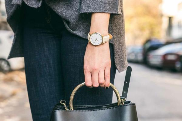 7 Vorteile, warum Sie eine Damen Armbanduhr tragen sollten