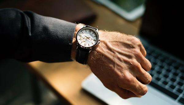Armbanduhr tragen Vorteile Herren Armbanduhr Scmuckstück