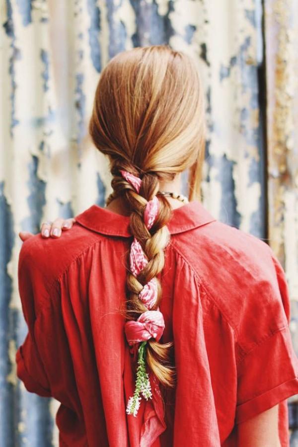 Bandana Frisuren für den Sommer – stilvolle Styling-Ideen für jede Haarläng zopf french mit tuch bandana