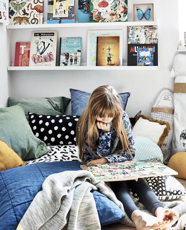 Bilderleiste dekorieren – Ideen und Tipps für eine kreative Wandgestaltung kinderzimmer deko ideen bücher