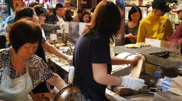 Bubble Waffeln zubereiten Rezept chinesische Spezialität