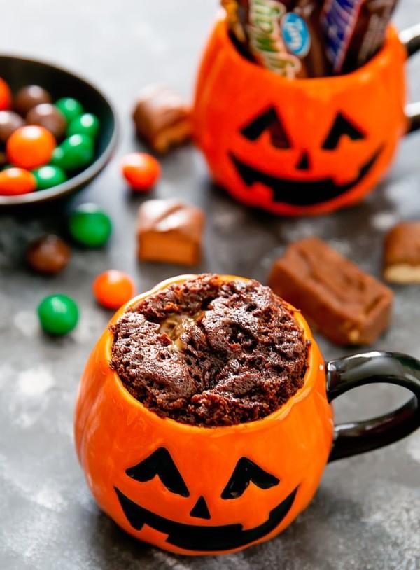 Einfache, schnelle und gesunde Tassenkuchen Rezept Ideen aus der Mikrowelle halloween kuchen schoko