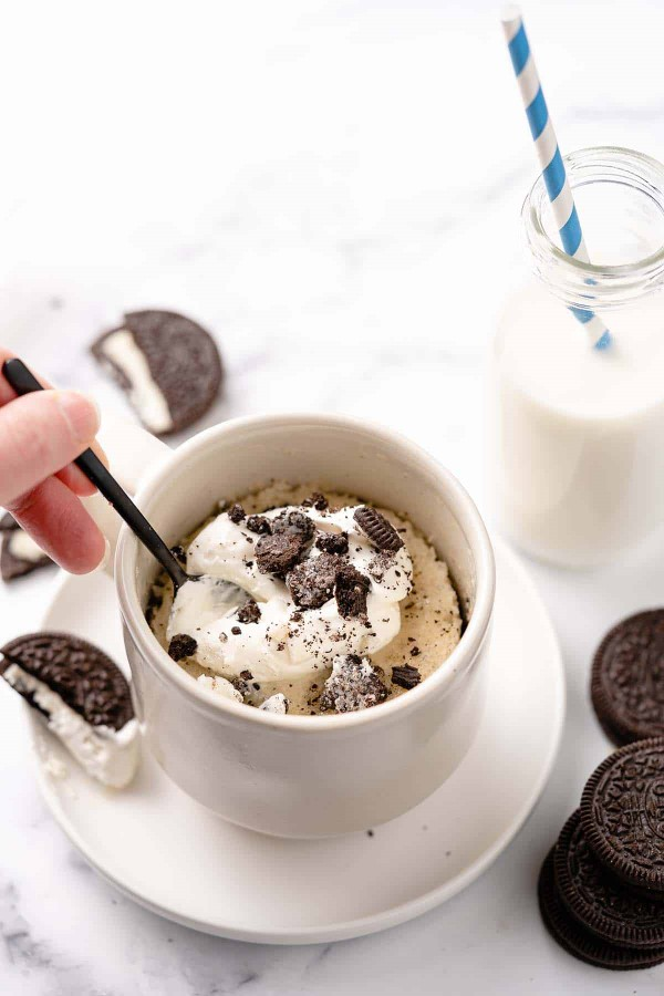 Einfache, schnelle und gesunde Tassenkuchen Rezept Ideen aus der Mikrowelle oreo kuchen milch