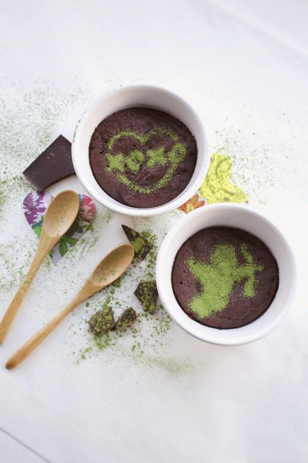 Einfache, schnelle und gesunde Tassenkuchen Rezept Ideen aus der Mikrowelle schoko kuchen matcha pulver