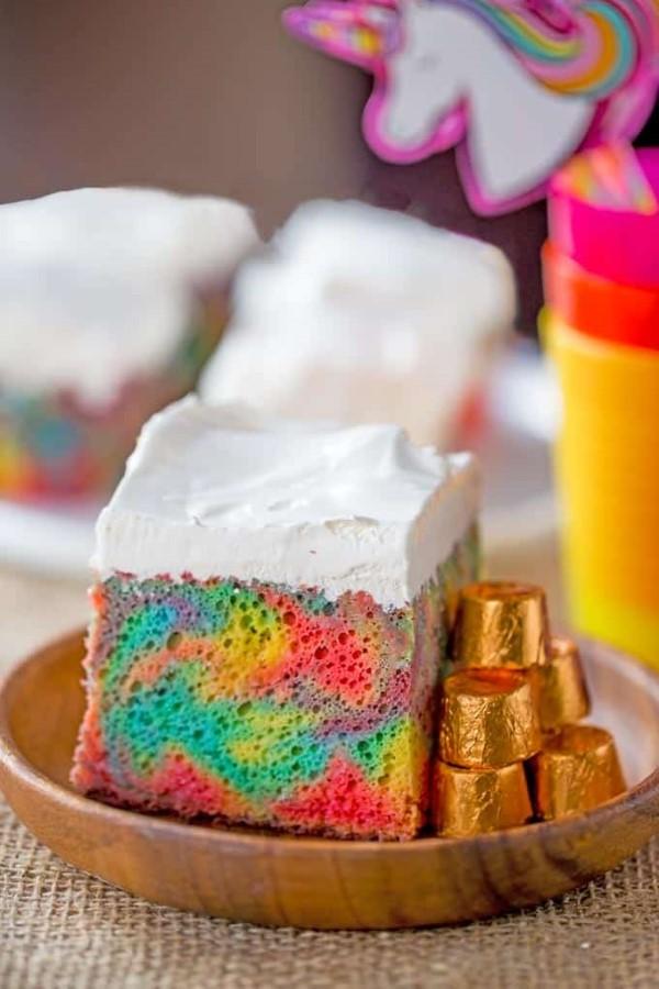 Farbenfrohe und köstliche Regenbogenkuchen Rezept Ideen bunter kuchen marmor