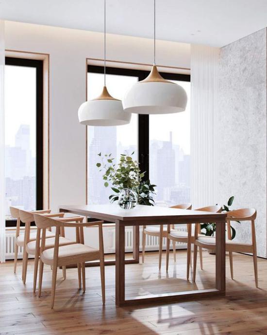 Helles Holz im Interieur Esszimmer Esstisch Stühle helle Holzarten langlebig