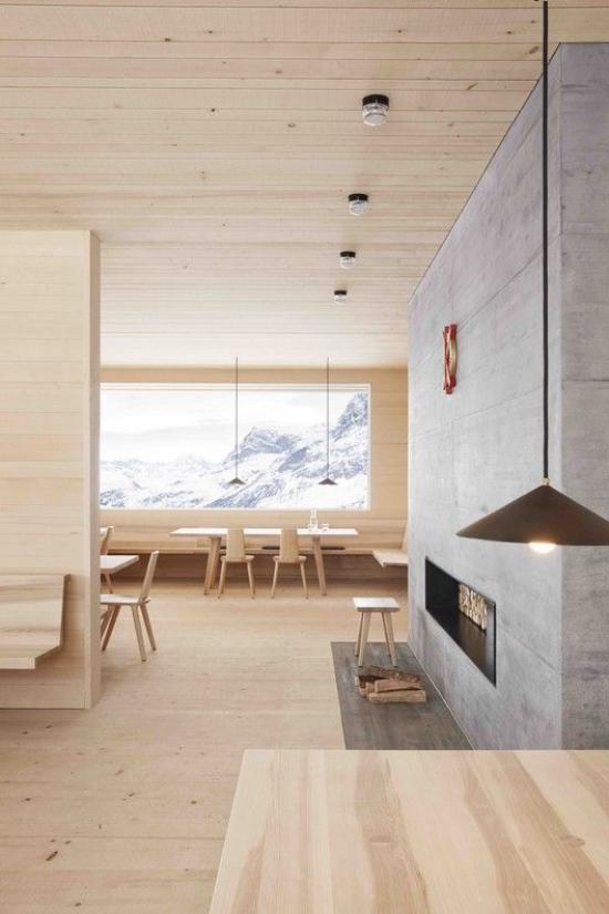Helles Holz im Interieur erstklassiges Raumdesign Natürlichkeit Gemütlichkeit Holz vom Boden bis zur Decke