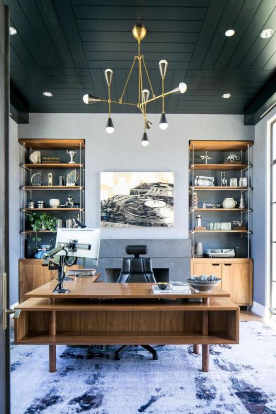 Home Office maritim einrichten dunkle Blautöne Grau Anthrazit dramatischer Look