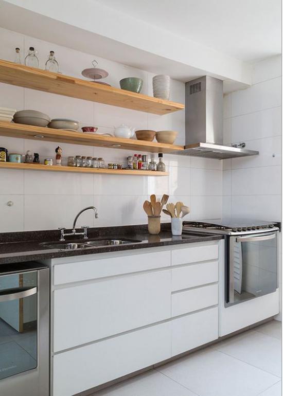Küchenzeile clevere Lösung anstatt Oberschränke offene Regale haben
