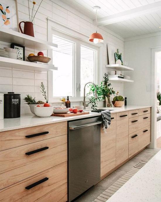 Küchenzeile helles sehr ansprechendes Design ausreichend Arbeitsplatte zur Verfügung kelles Holz