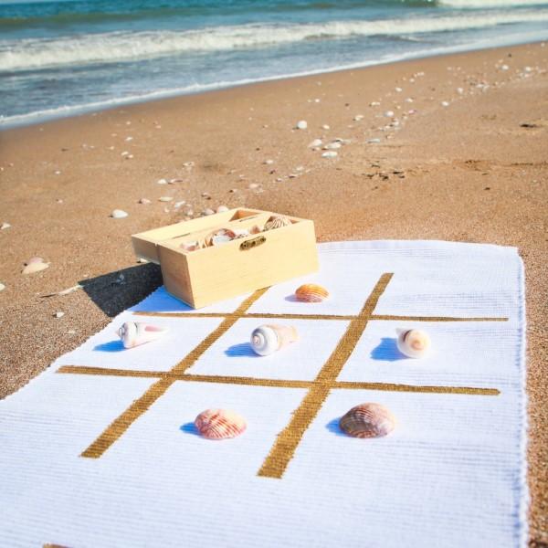 Kreative und interaktive Bastelideen gegen Langeweile für Groß und Klein strand tic tac toe muscheln
