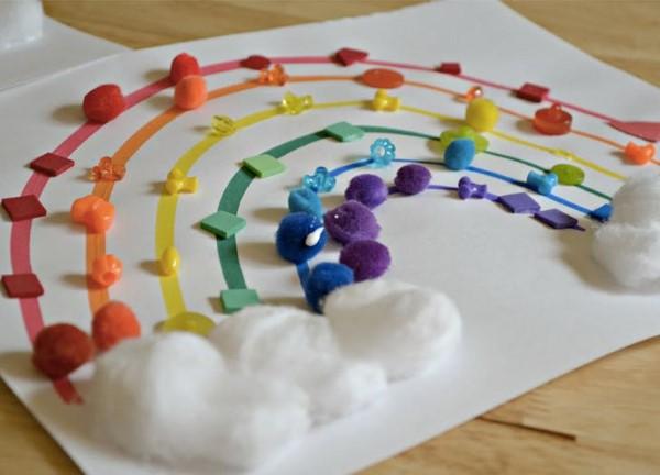 Malen und Basteln mit 2jährigen Kindern – kreative und einfache Ideen für Kleinkinder regenbogen farben spiel