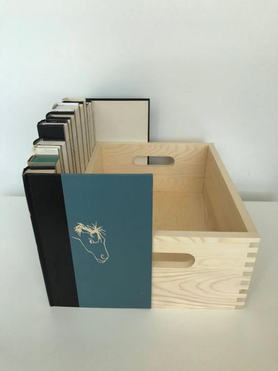 Router verstecken eine Kiste selber machen mit alten Bücherhüllen getarnt