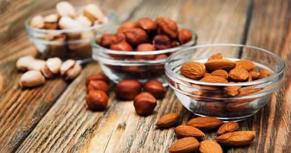 Sattmacher gesund gegen Heißhunger Nüsse gute Energiequelle für den Körper machen satt und fit