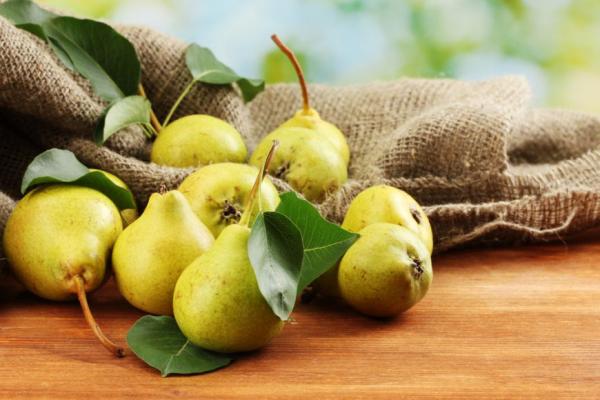 Sattmacher gesund gegen Heißhunger reife Birnen gesundes Obst
