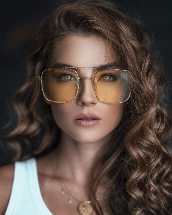 Sonnenbrillen Trends 2021 – Diese Modelle sind jetzt angesagt gold transparente brille