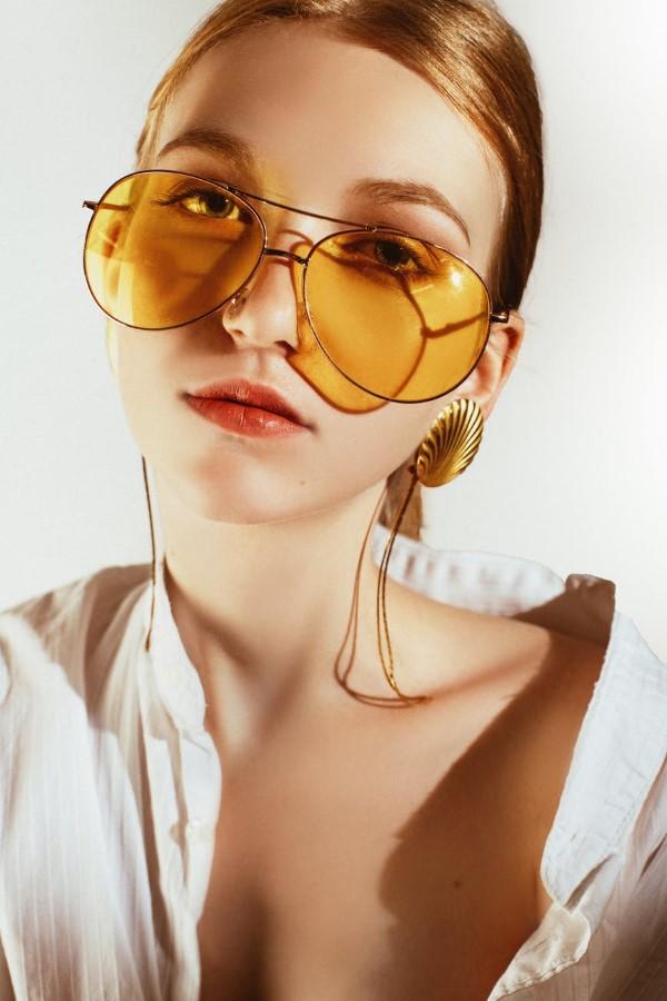 Sonnenbrillen Trends 2021 – Diese Modelle sind jetzt angesagt xxl übergroße gold brillen