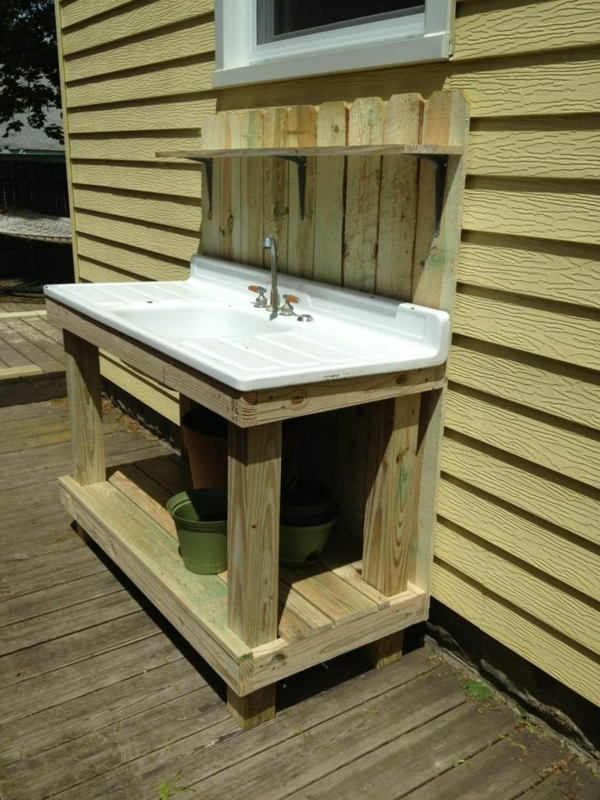 Spüle im Freien 50 Gartenspüle Ideen aus Holz